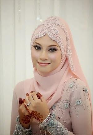 Hijab Pengantin Simple Modern dan Kebaya Modern Terbaru