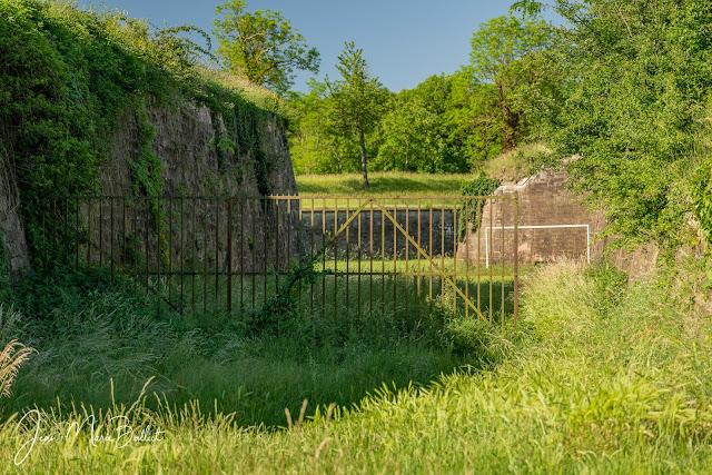 Une des rares grilles défensives allemandes (s.d. vers 1880) conservée à Neuf-Brisach.