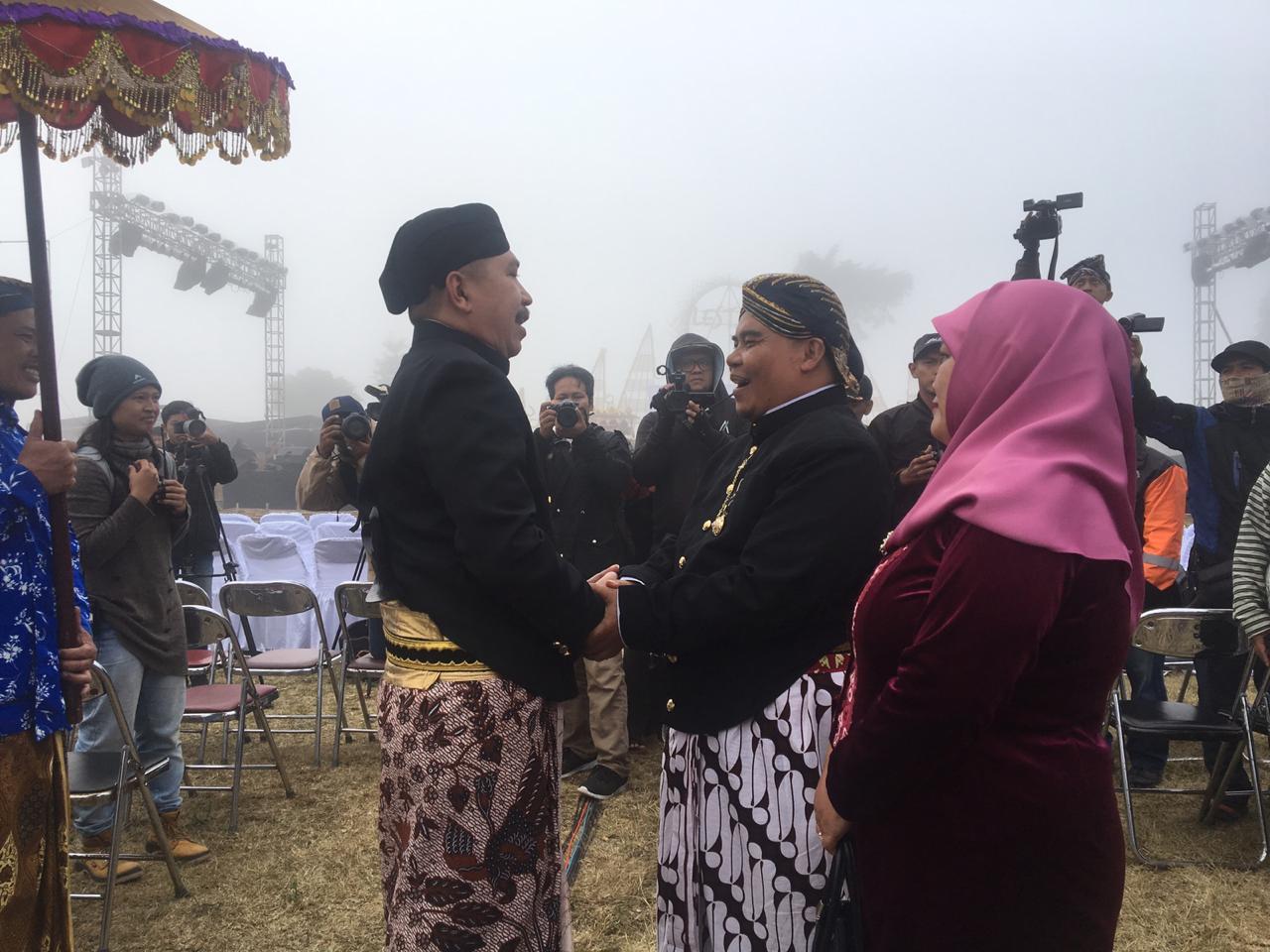Untuk Pertama Kalinya Camat Kertek dan Camat Kledung Dipertemukan Dalam Festival Sindoro Sumbing