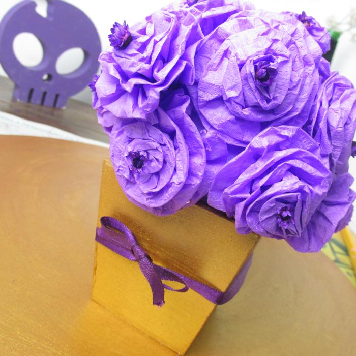 Flor de crepom e arranjo de R$5, flor de crepom, Natália Sena