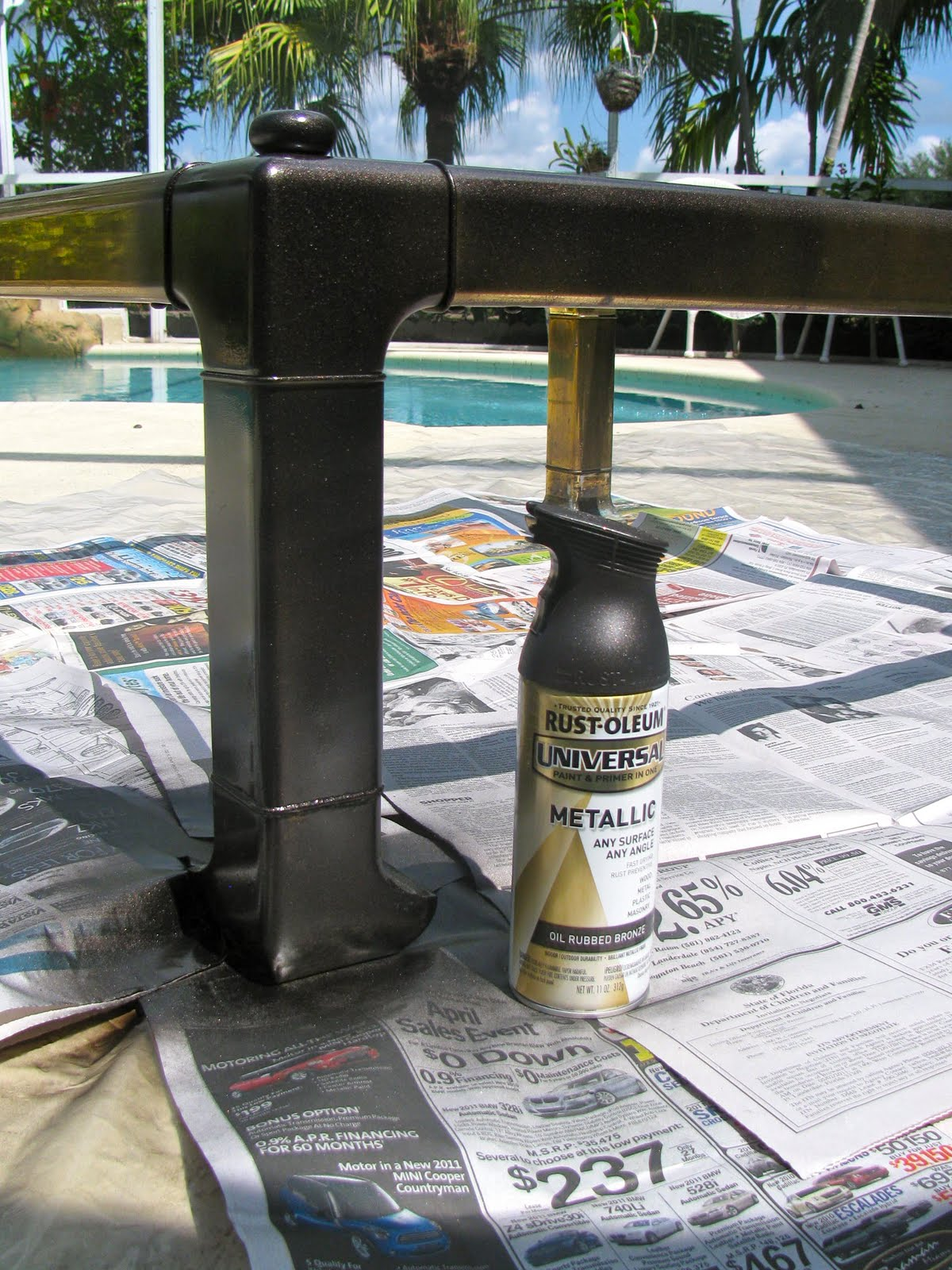 MAY DAYS: Spray Paint Brass Coffee Table Makeover
