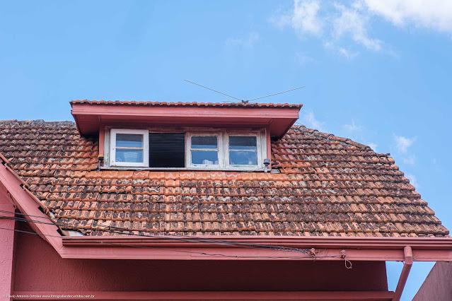Casa na Rua David Carneiro - detalhe de mansarda