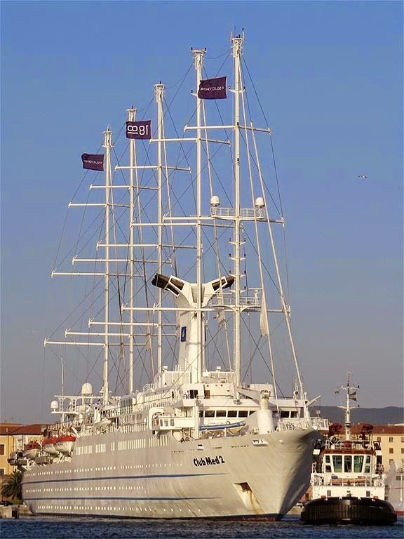 Sailing cruise ship Club Med 2, IMO 9007491, port of Livorno