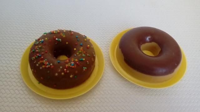 Jabón-natural-donut-dulce-de-aceite-vegetal-y-de-glicerina