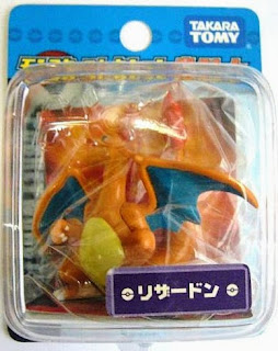 Charizard Pokemon figure Takara Tomy Monster Collection battle scene series