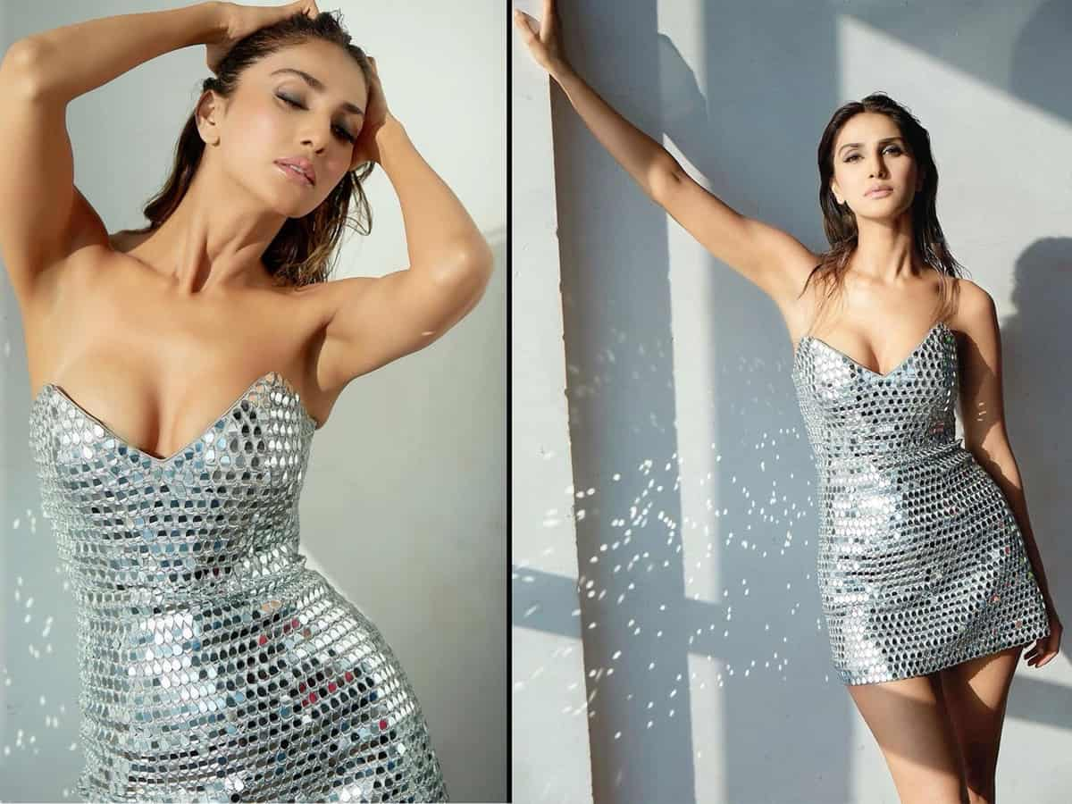 Pic Talk of the day: Vaani Kapoor Shows Off Her Ecstatic Beauty Pics