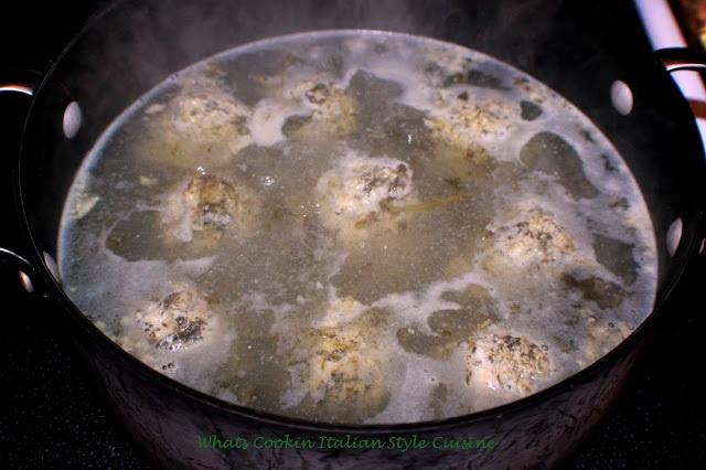 boiling spinach dumplings