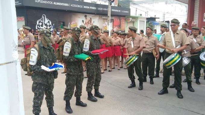 Cerimônia de hasteamento da bandeira dá início ao 7 de Setembro em Jacobina