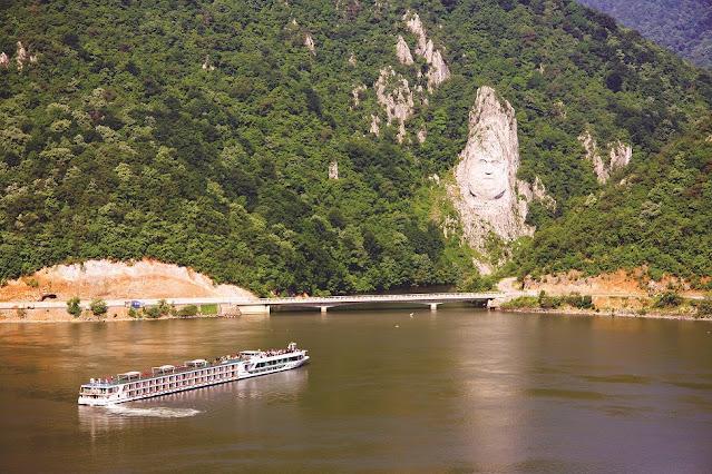 scenic cruise ship
