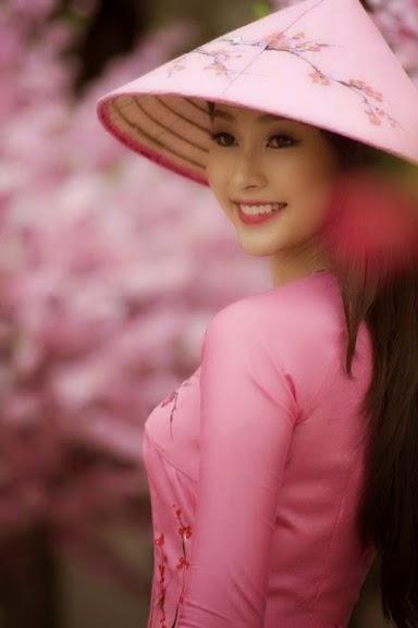Vietnam girls and long dresses