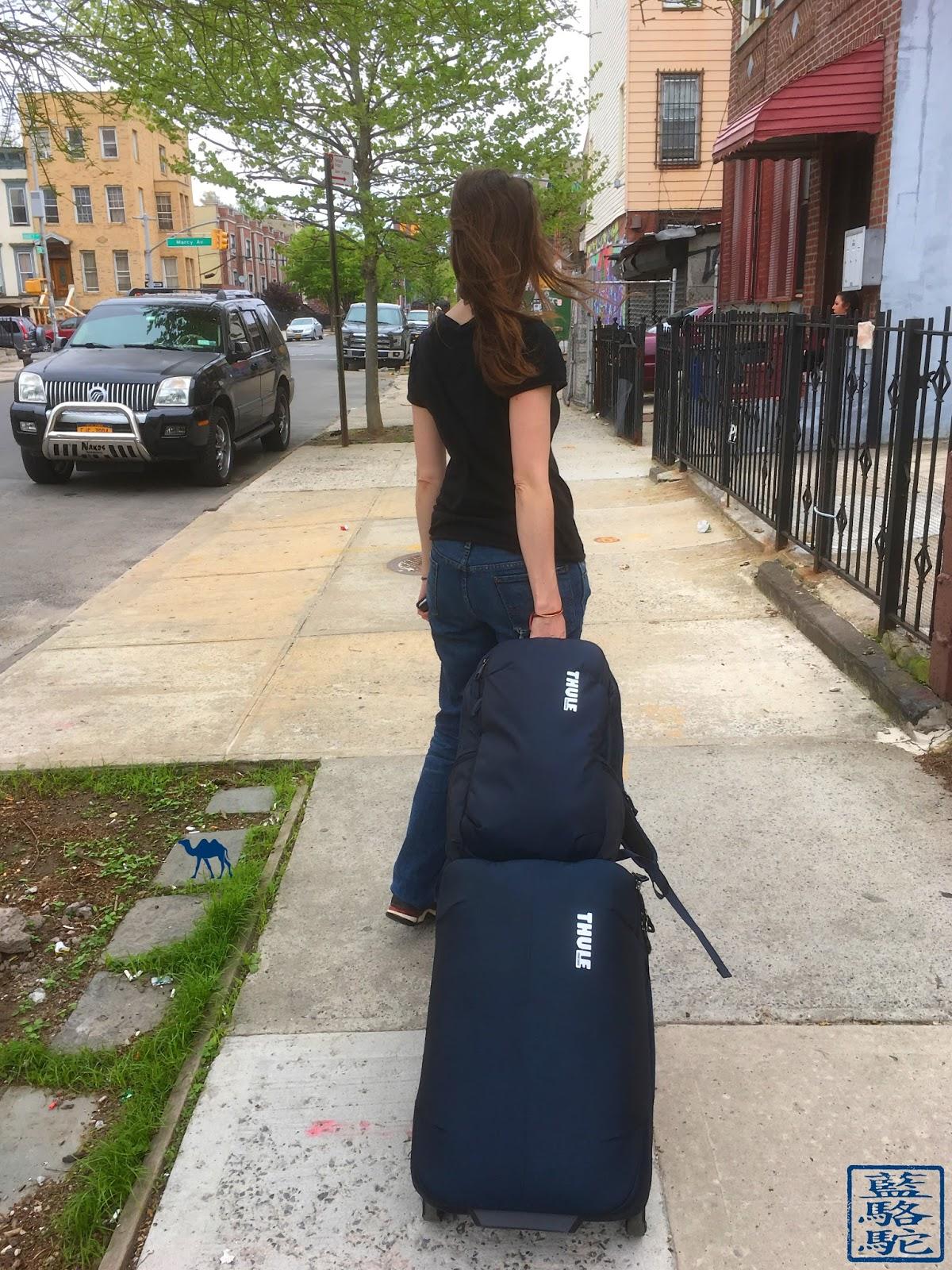 Le Chameau Bleu - Thule Subterra dans les rue de New York