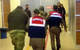 Η σύλληψη των δύο στρατιωτικών ρίχνει λάδι στη φωτιά με την Άγκυρα