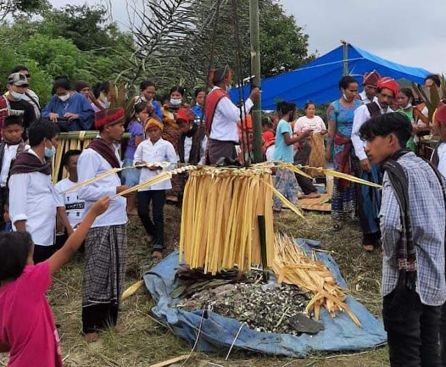 Tradisi Adat di Sihaporas Berdoa agar Terhindar Virus Corona