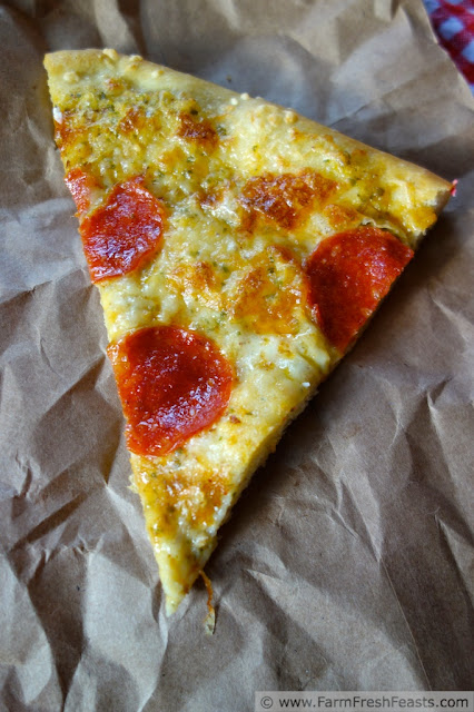 http://www.farmfreshfeasts.com/2013/05/buttermilk-crust-pizza-with-pepperoni.html