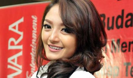 Lirik Lagu Siti Badriah - Senandung Cinta (Ost Senandung MNCTV)