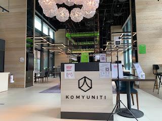 Hotel restaurant Komyuniti entrance