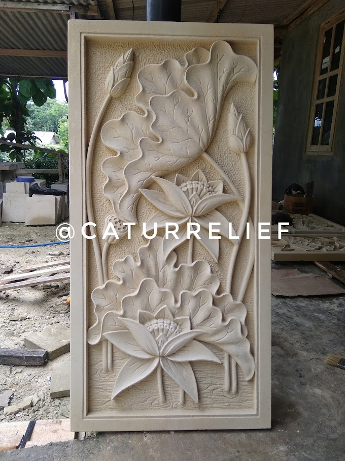 Relief bunga lotus