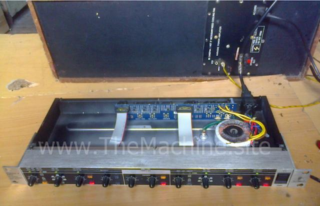 Perangkat Audio Behringer Super-X Pro 2 / 3-Way Crossover CX2310