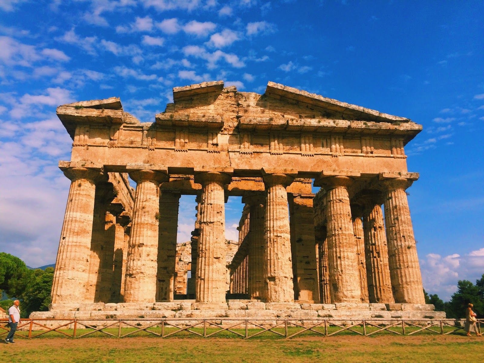 Discover The Ancient Greek temples Of Paestum - Corinna B ...