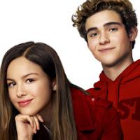 Olivia Rodrigo et Joshua Bassett les stars de High School Musical la série Disney+