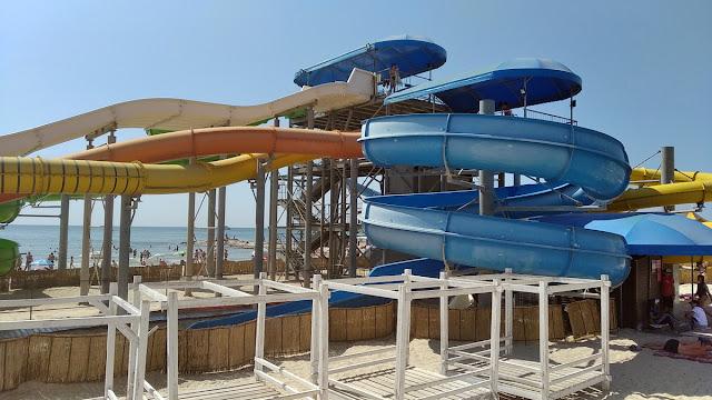 аквапарк на пляже железный порт