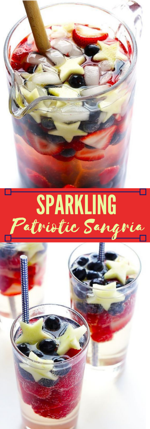 SPARKLING RED, WHITE AND BLUE SANGRIA #drink #sparkling #party #sangria #easy