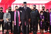 Gubernur Irup Upacara Militer Pemakaman Jenazah SHS