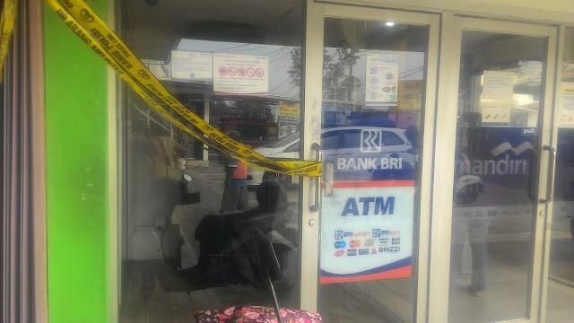ATM Bank BRI Disamping Hidayatullah Kambang dibobol Pencuri