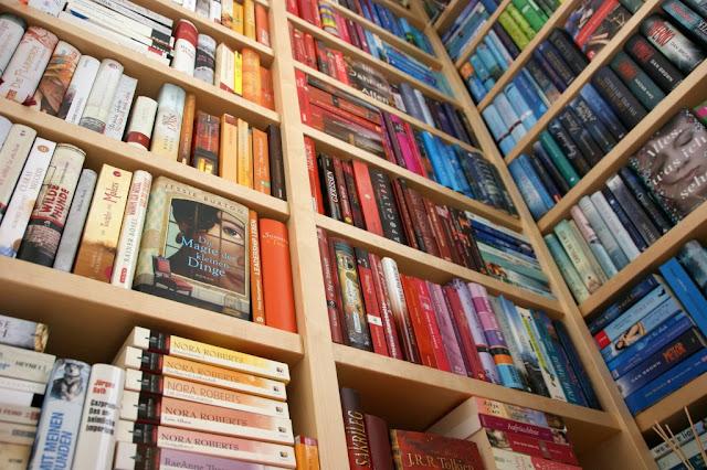 Bücherregal www.nanawhatelse.at