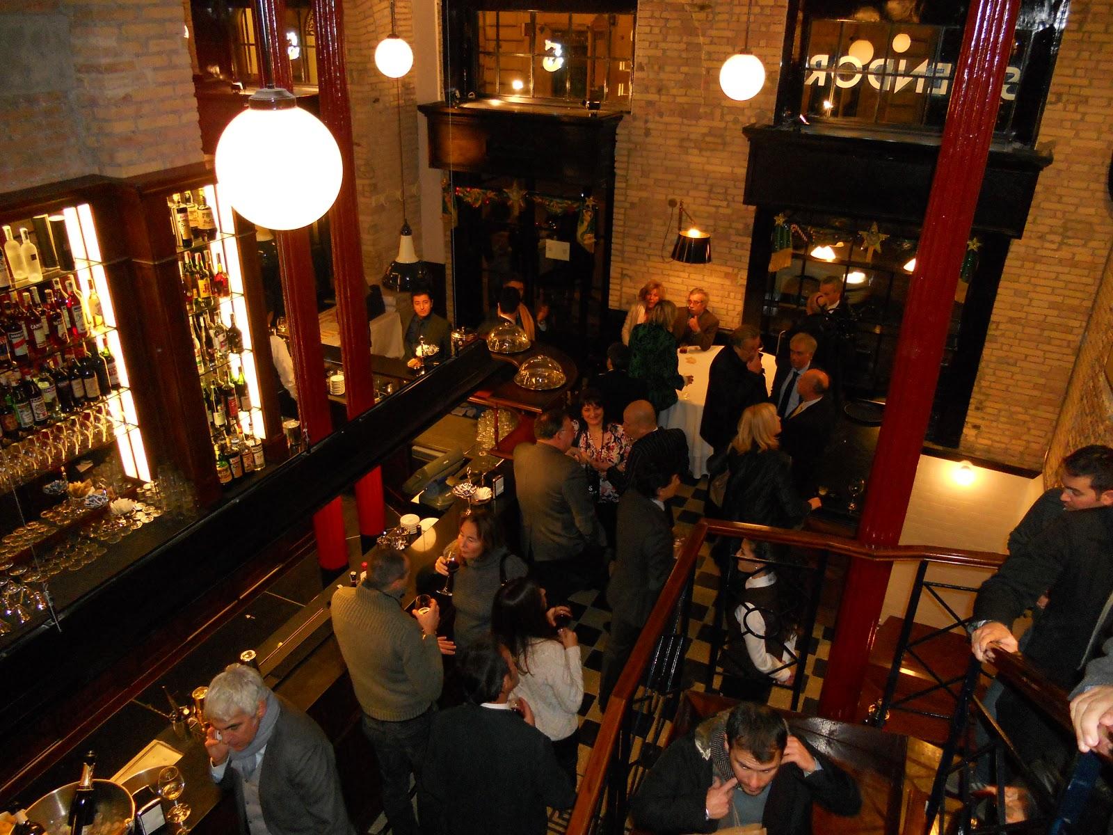 bd1da2a2964c Inaugurazione per oltre seicento ospiti per l apertura del nuovo locale in  Via Vittoria Colonna Splendor Parthenopes tipicamente napoletano un luogo  ...