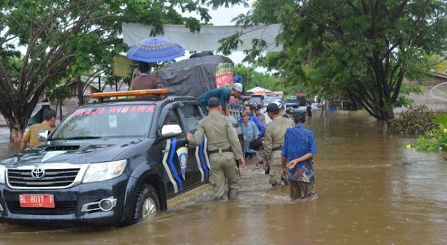 Aceh Singkil Lumpuh Total akibat Banjir