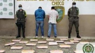 Por transportar sustancias alucinógenas en un vehículo fueron judicializados dos sujetos en Cértegui.