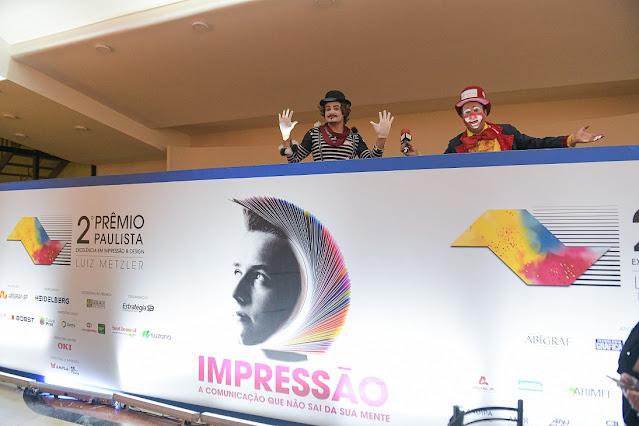 Como entreter os convidados do seu evento de premiação com atrações artísticas de Humor e Circo Produtora.