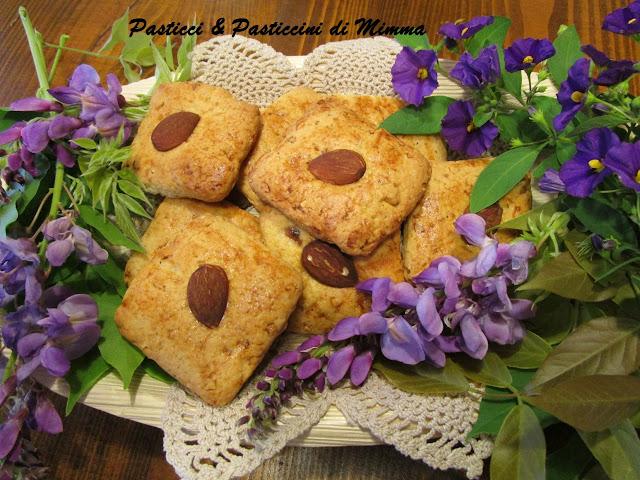 Dolci Da Credenza Biscotti Alle Nocciole : Pasticci & pasticcini di mimma: gli nzuddi profumati biscotti