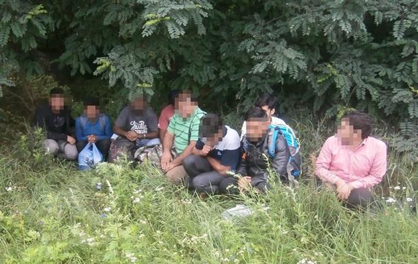 Прикордонники затримали групу нелегалів з Пакистану, Шрі-Ланки та РФ