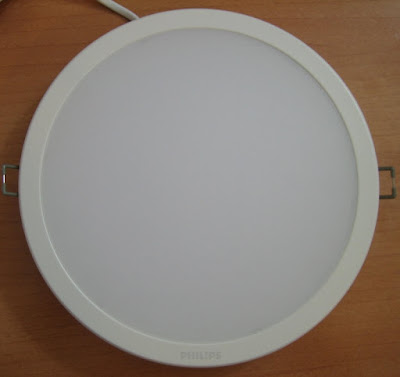 http://bombillasdebajoconsumo.blogspot.com.es/2020/02/downlight-led-philips-ledinaire-23w.html