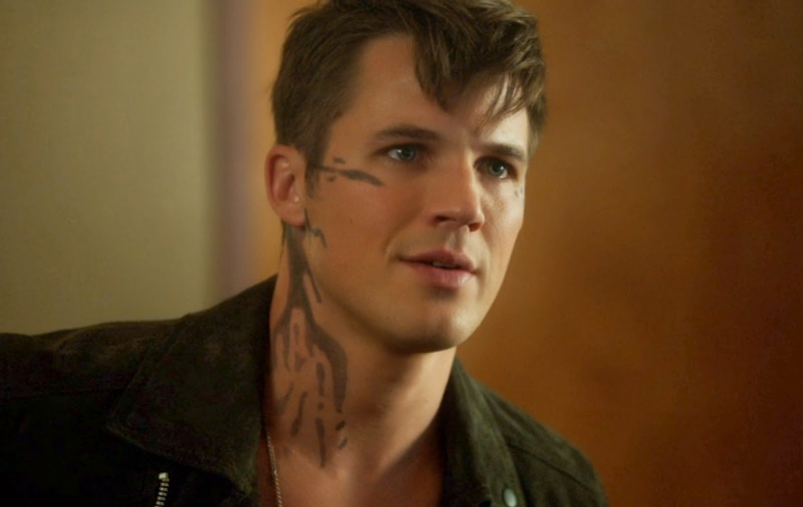 Star-Crossed Roman Matt Lanter screencaps photos pictures And Left No Friendly Drop season 1 episode 4