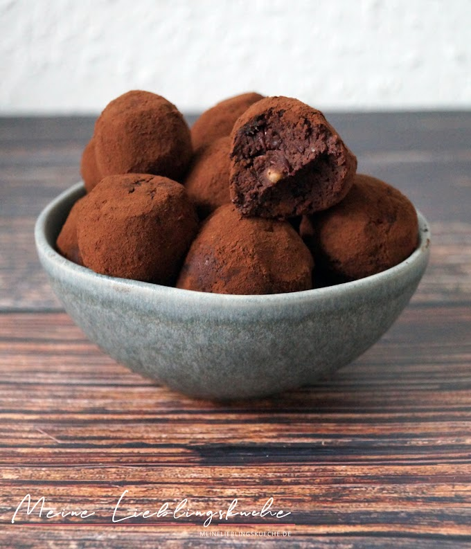 High Protein Chocolate Cookie Dough Energy Balls