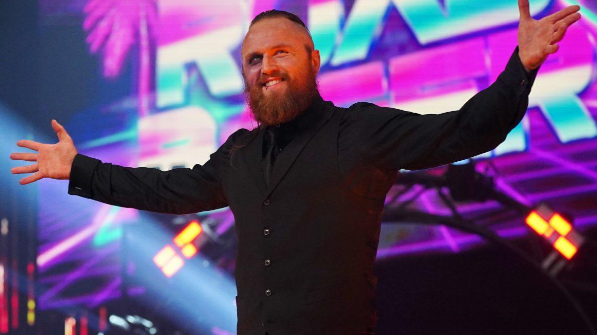 Malakai Black ajudou a planejar Triple H e Shawn Michales vs. Kane e Undertaker no WWE Crown Jewel