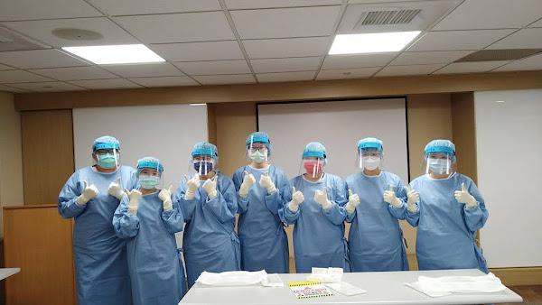 彰基醫院攜手大葉大學 護理系學生實習穿脫防護衣