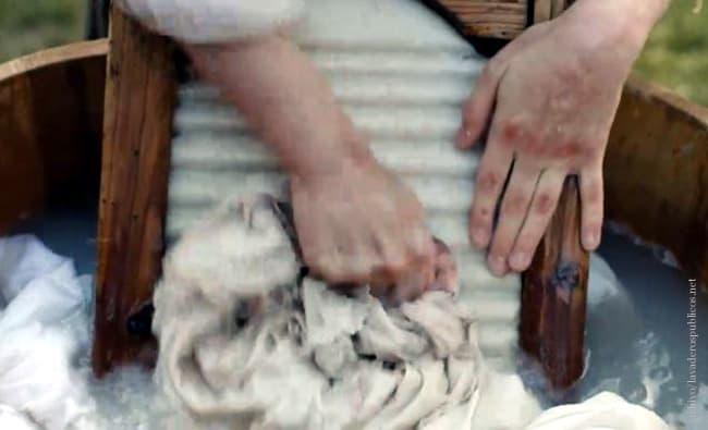 manos-de-lavandera