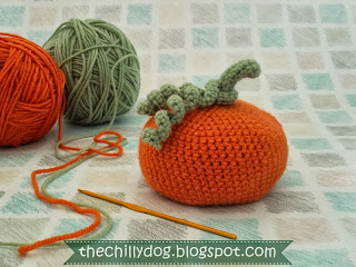 Easy and Free PDF Pattern - How to crochet a bean bag Halloween pumpkin by The Chilly Dog