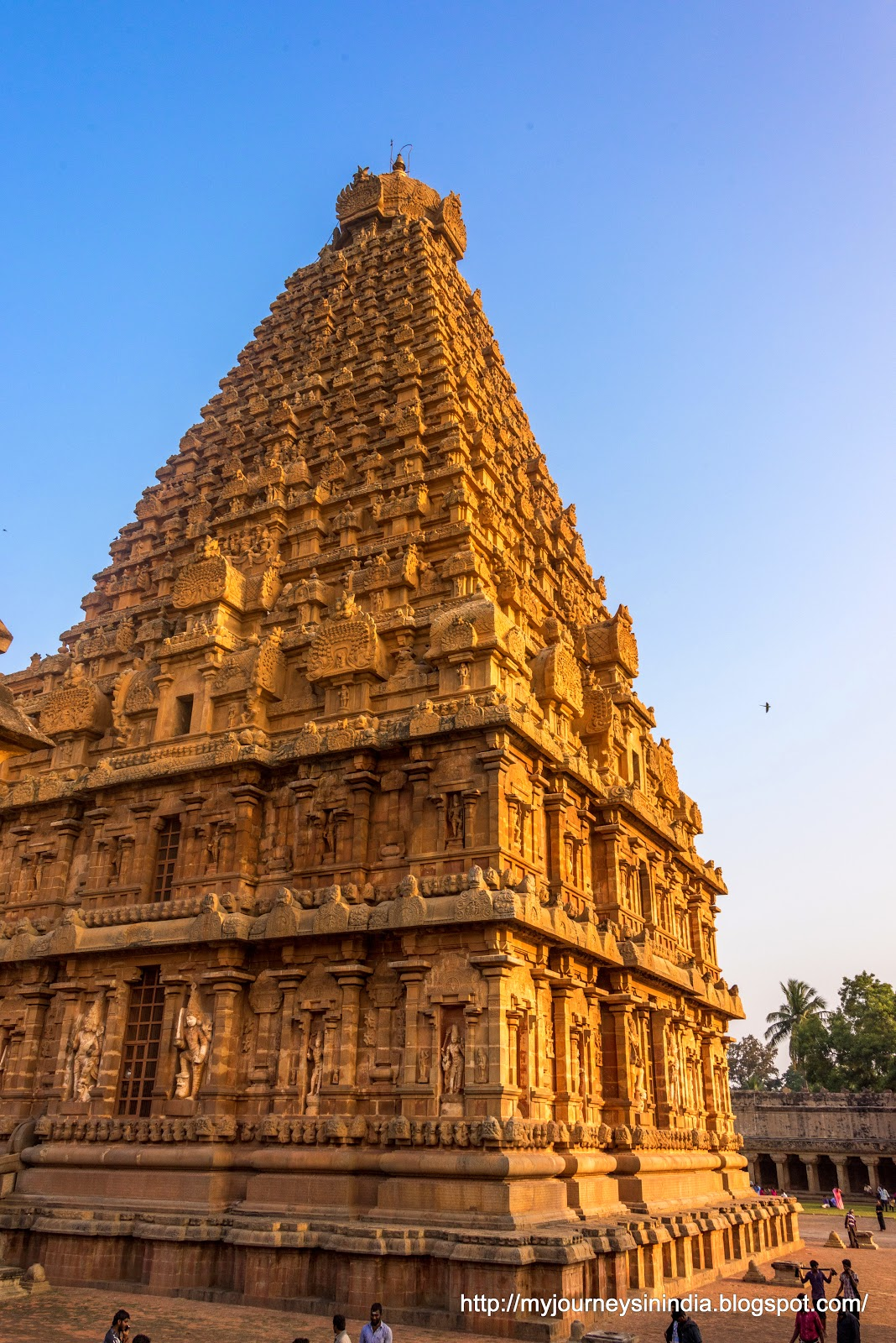 Thanjavur Brihadeeswarar Temple Tower Corner view
