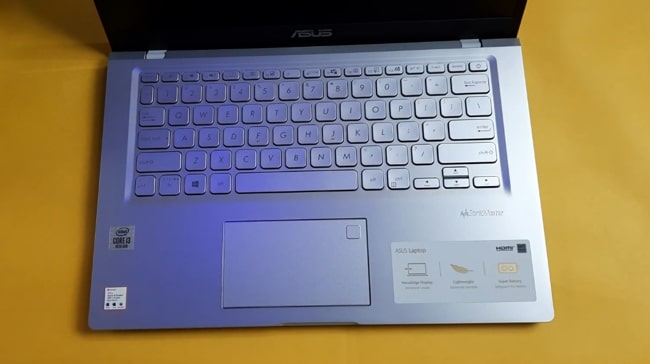 Keyboard of Asus VivoBook 14 X415JA laptop.