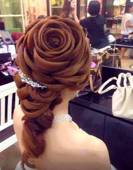 Penteado em formato de Rosa