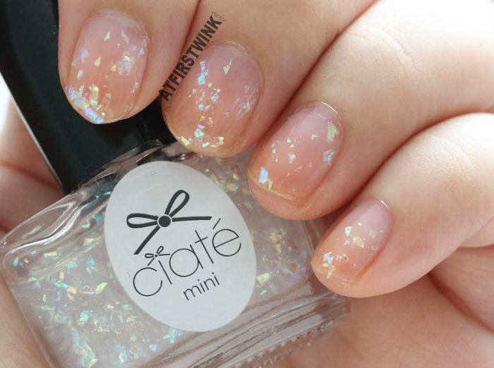 Ciaté Mini Mani Month 2013 calendar door 1 : PP146 - snow globe on bare nails
