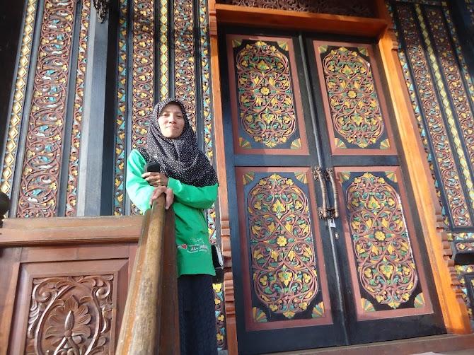 Berkenalan Dengan  Neti Suriana, Penulis Kece Dari Riau
