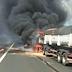 Carretas pegam fogo na Rodovia Anhanguera