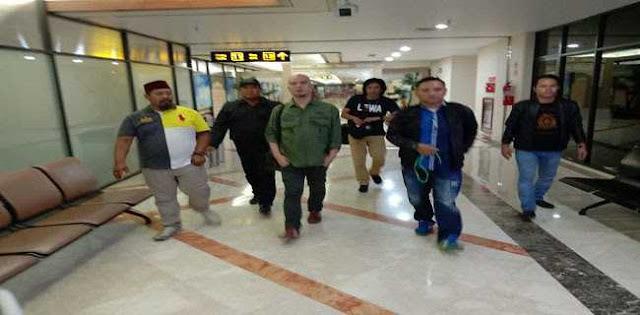 Ahmad Dhani Dikembalikan Ke Jakarta Saat Dinihari