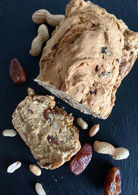 Frühstücksbrot, Rezept, glutenfrei, vegan, Datteln, Erdnüsse, Backrezept, Backen